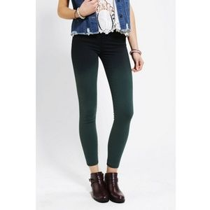 [Urban Outfitters] BDG Twig High Rise Pine Ombre